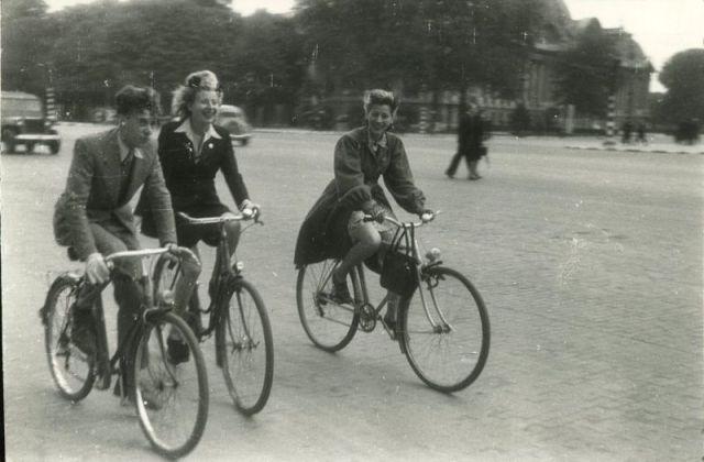 Paris%2BUnder%2BNazi%2BOccupation%2B1940