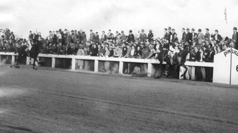 Seabiscuit, right, wins the race, beating War Admiral, left, by four lengths.