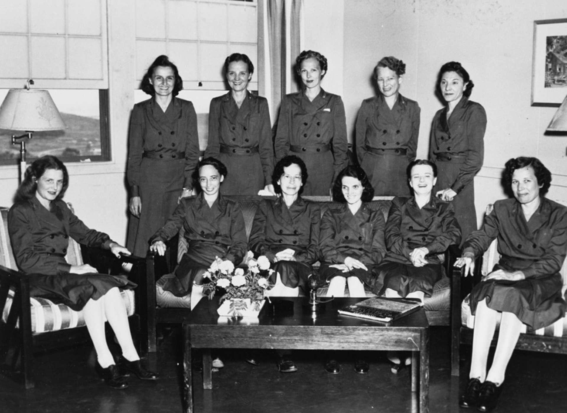 Ex-POW Navy nurses