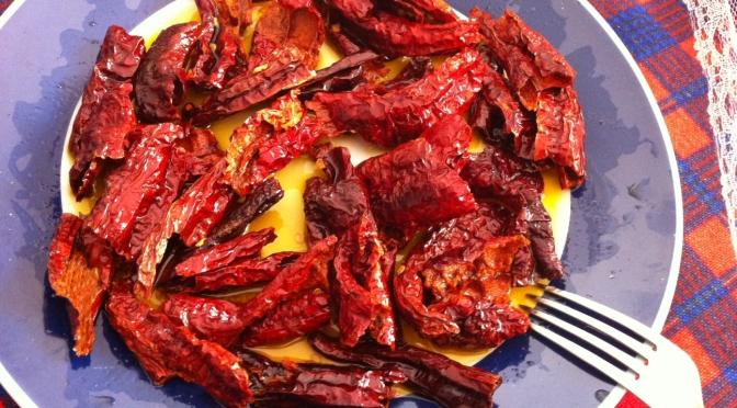 Peperoni secchi fritti (o peperoni cruschi)