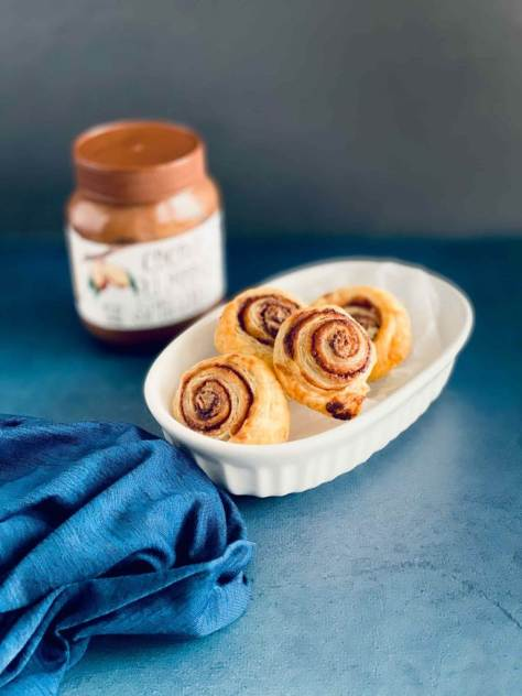 2-ingredient-nutella-pastry