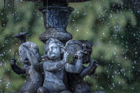 fountain-675488__340
